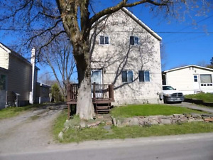House for sale, 3 bedroom 1 bathroom, large yard, $94 900
