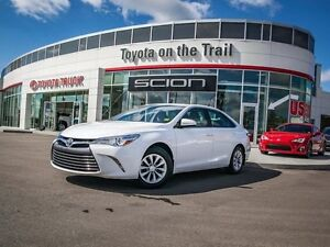 2015 Toyota Camry LE, Touch Screen, Back Up Camera, AUX/USB, Blu Edmonton Edmonton Area image 20