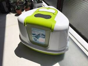 Free hooded cat litter tray - pick up only (Mosman, 2088) Mosman Mosman Area Preview