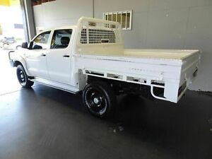 2014 Toyota Hilux KUN26R MY12 SR (4x4) White 5 Speed Manual Dual Cab Chassis Woodridge Logan Area Preview