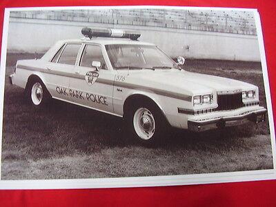 1985 DODGE DIPLOMAT POLICE CAR OAK PARK ILLINOIS  11 X 17  PHOTO  PICTURE