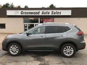 2018 Nissan Rogue SV PANO ROOF! LIKE NEW! FINANCE NOW!