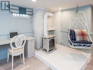 HGTV Renovated Short Term Furnished Rental - Available March 6th