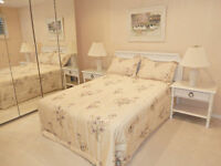 Spacious, double bed room in private suite/SW Cedarbrae