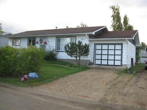 #221- 5 Bedroom House in Sexsmith $1900  Available May 1st