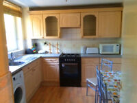 Stunning 5 bed no lounge in Brick Lane with kitchen diner ideal for students or companies