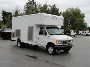 2002 FORD E-450 SUPER DUTY CUBE VAN DRW **LOW LOW KM**