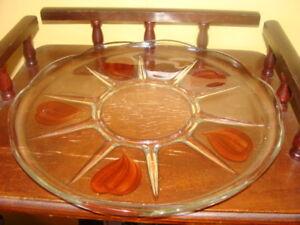 Magnifique assiette de service, en verre transparent