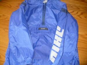 Nike GIrls Size 14  Pull Over Jacket
