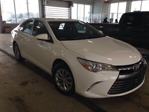 2016 Toyota Camry LE Back up Cam Bluetooth