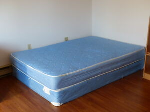 Full mattress and box spring