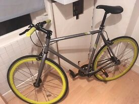 Sell trendy fixed-gear bicycle