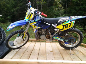 yz 250 lots of aftermarket parts
