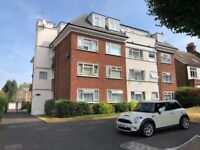Well presented one bedroom unfurnished flat to rent located walking distance from Shortlands Station