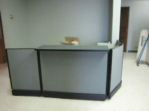 Counter/Receptionist Desk