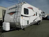 THIS TOY HAULER HAS EVERYTHING AND MORE!  2011 ENERGY 280 LASB
