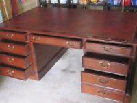 Partner Desk - Mahogany - beautiful piece of furniture