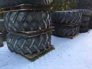 Rogator Flotation Tires and Rims