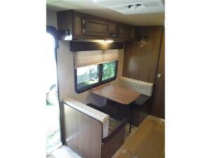 2016 Palomini 180FB Ultra Lite Travel Trailer - Only 3100LBS!! Stratford Kitchener Area image 9
