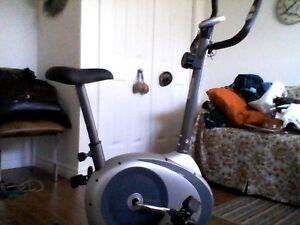 Vélo stationnaire Tempo Fitness