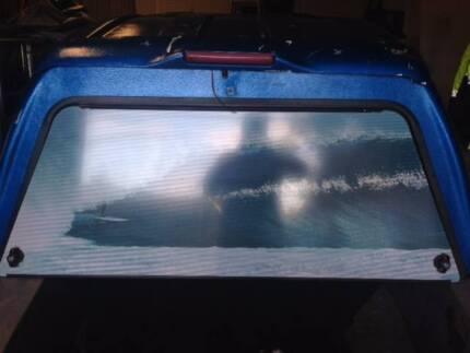 Toyota Hilux lockable Flexiglass canopy tilt up windows