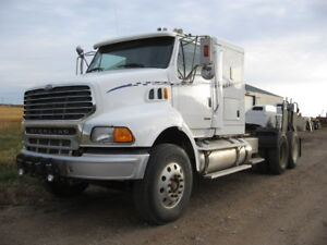 2005 Sterling AT9500 Tractor