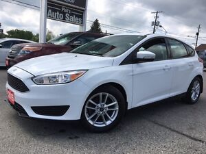 2015 Ford Focus SE HATCHBACK // 14 000KMS / HEATED SEATS & WHEEL
