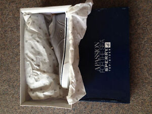 New SPERRY shoes for men, $20