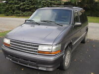 1992 Plymouth Voyager LX