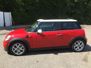 2013 Mini Cooper Knightsbridge *One Owner/Dealer Serviced*