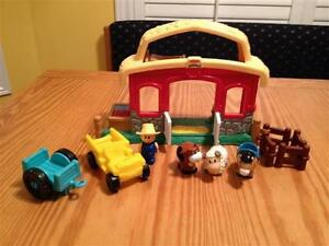 Fisher Price Little People Farm Stable with sounds
