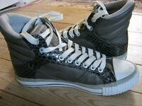 British Knights High Tops Grey and Snake Skin - Size 5