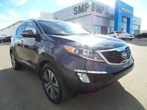 2013 Kia Sportage EX AWD, PST paid, rem. start, alloys, new tire