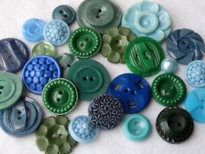 FABULOUS LOT VINTAGE FANCY GREEN & BLUE BUTTONS Flower Casein Plastic Colt +