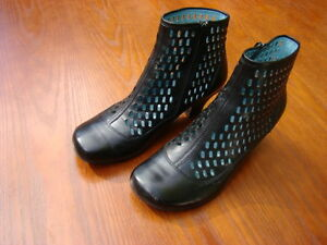 Leather Ankle Boots size 8 Womens
