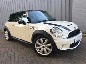 Mini Cooper 1.6 S, Gorgeous in Pepper White with Black Accents, Half Leather, Immaculate Condition