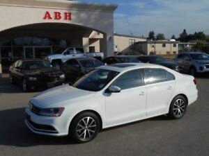 2015 VOLKSWAGEN JETTA - 4 Door Sedan SE ROOF NAV