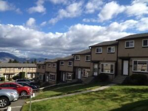 Sahali Townhouse for Rent (3 Bed 2 Bath) available Mid-December