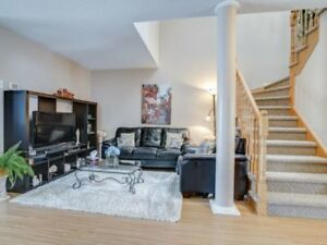 AMAZING 3+1Bedroom Semi-Detached House in BRAMPTON $629,900 ONLY