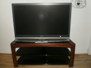 SONY WEGA   46 INCH TV