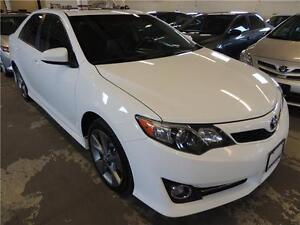 2012 TOYOTA CAMRY SE !!! LEATHER, SUNROOF, NAVI, ALLOYS !!!