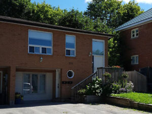 Spacious 3 Bedroom Unit Near Barrie's Waterfront