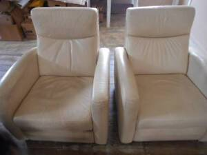 2 cream leather recliners Uralla Uralla Area Preview