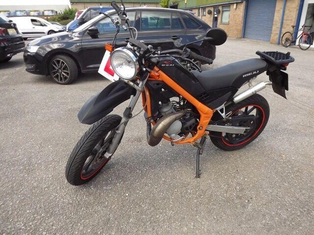 2010 rieju tango 50 supermotard 50cc 2 stroke engine as aprilia 6 speed geared motorbike moped. Black Bedroom Furniture Sets. Home Design Ideas
