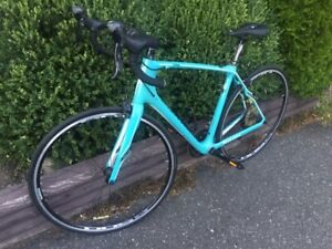 Women's Specialized Road Bike - Carbon Frame - 57cm