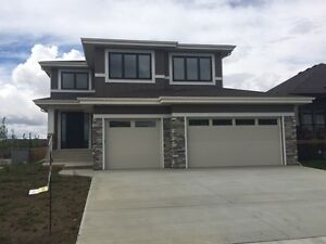 BEAUTIFUL NEW EXECUTIVE HOUSE FOR RENT LACOMBE PARK!