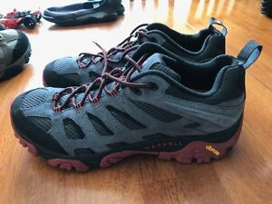 Men's Merrell Moab Ventilator Hiking Shoes - NEW and UNUSED