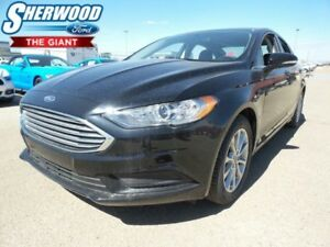 2017 Ford Fusion SE w/ Heated Front Seats, Reverse Camera, SYNC