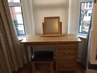 Dressing table, stool and mirror set