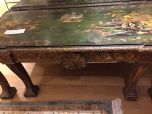 Beautiful antique Chinois hand painted table